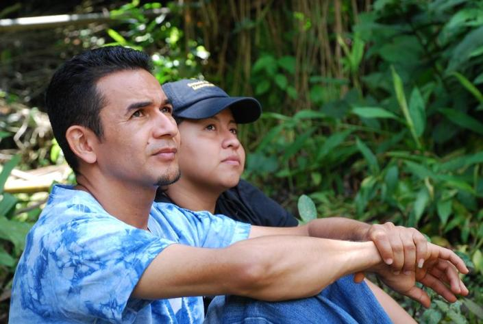 Flor López y Sergio Sibrián, del equipo de comunicación participativa de ACISAM.